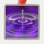 Descenso púrpura del agua ornamente de reyes