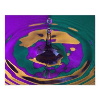 Descenso púrpura y verde del oro del agua invitación 10,8 x 13,9 cm