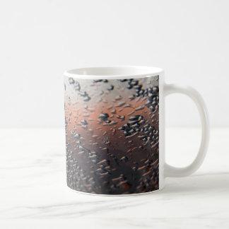 Descensos condensados del agua tazas de café