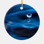Descensos del agua azul adornos