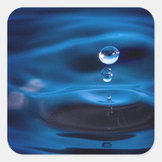 Descensos del agua azul pegatina cuadrada
