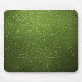 Descensos del agua en una tela de araña mouse pad