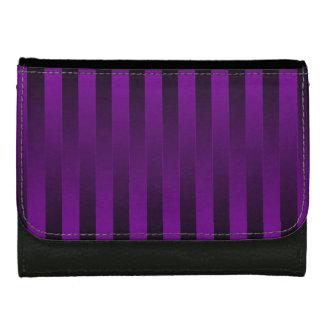 Descolórese para ennegrecerse, en cartera púrpura