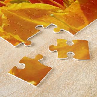 Desconcierta la flora anaranjada floral de las flo puzzle