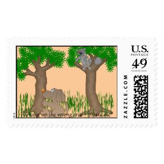 descortezamiento encima del árbol incorrecto sellos