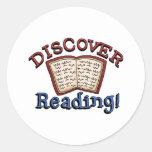 Descubra las camisetas y los regalos de la lectura pegatinas redondas