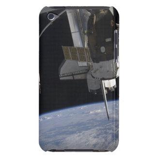 Descubrimiento 10 del transbordador espacial iPod touch Case-Mate carcasas