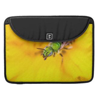 descubrimiento de amarillo fundas macbook pro