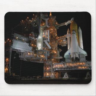 Descubrimiento del transbordador espacial alfombrillas de ratón