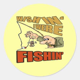 Deseando pescaba los regalos de las camisetas pegatina redonda
