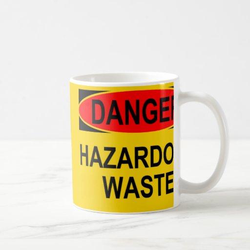 Desechos peligrosos del peligro taza