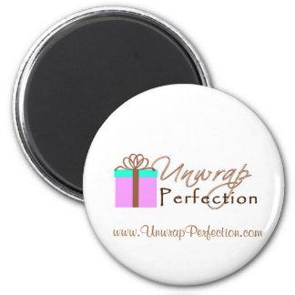 Desempaquete el imán del logotipo de la perfección