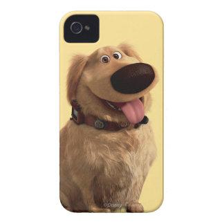 Desenterró el perro de Disney Pixar - sonriendo iPhone 4 Case-Mate Protectores