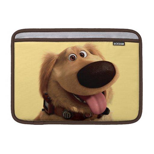 Desenterró el perro de Disney Pixar - sonriendo Fundas Para Macbook Air