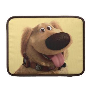 Desenterró el perro de Disney Pixar - sonriendo Fundas Macbook Air