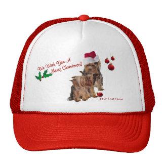 Deseos de las Felices Navidad del perrito de Yorki Gorros Bordados