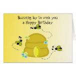 Deseos del cumpleaños de la abeja de zumbido tarjetas