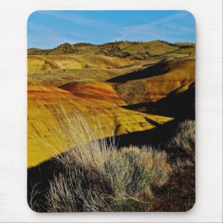 DESERT LANDSCAPE WITH COLORFUL DUNES MOUSE PAD