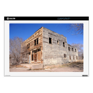 """Deserted Store and Hotel  - Utah 17"""" Laptop Decal"""