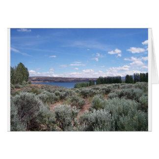 Desertscape con el río tarjeta de felicitación