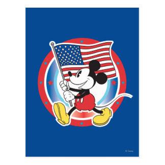Desfile de Mickey Mouse con la bandera de los Tarjetas Postales