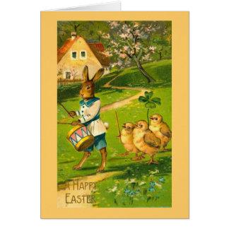 Desfile de Pascua con el conejo y los polluelos Felicitación