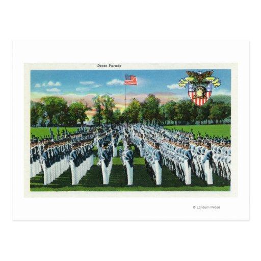 Desfile de vestido de la academia militar postales