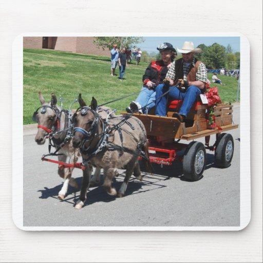 desfile del día de la mula alfombrilla de raton