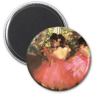 Desgasifique a los bailarines en imán rosado