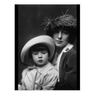 Deshielo, Evelyn Nesbitt e hijo de Arnold Genthe, Tarjeta Postal