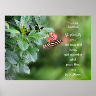 Desiderátums en la foto de la mariposa del ala de  póster