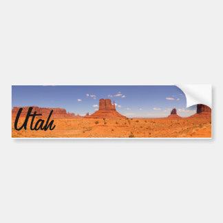 Desierto pintado hermoso de la formación de roca d pegatina de parachoque