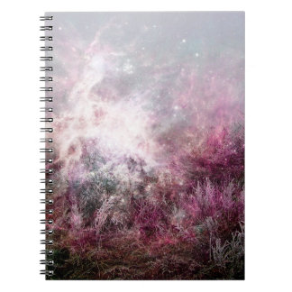 Desierto púrpura mágico de la nebulosa del polvo libreta espiral