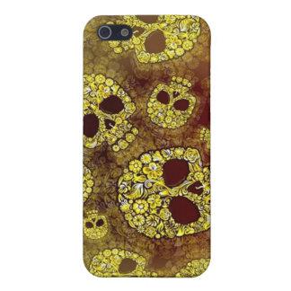 Designer Fashion Skulls iPhone 4 Speck Case