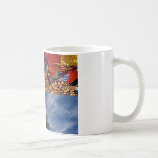 Deslumbramiento colorido taza básica blanca