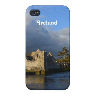 Desmond Castle iPhone 4 Cover