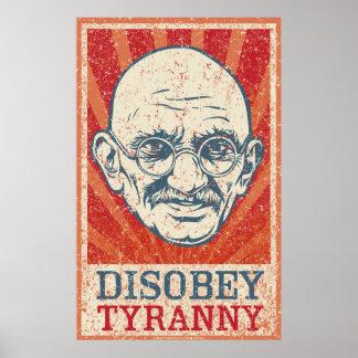 Desobedezca el poster de la tiranía póster