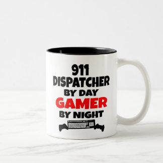 Despachador del videojugador 911 taza de dos tonos