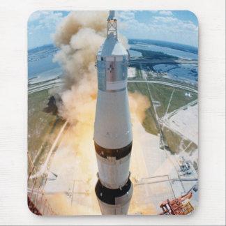 Despegue de Apolo 16 visto de cámara de la torre Tapete De Ratones