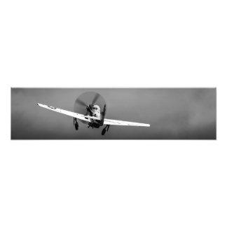 Despegue del mustango P-51 en tormenta Fotografía