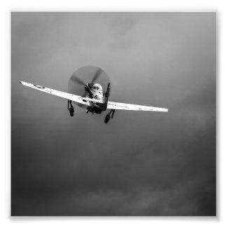 Despegue del mustango P-51 en tormenta Fotografías