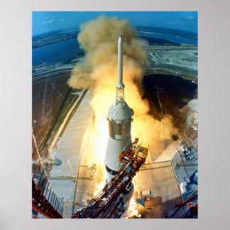 Despegue del vehículo de espacio de Apolo 11 Satur Póster