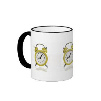 Despertador amarillo taza de dos colores