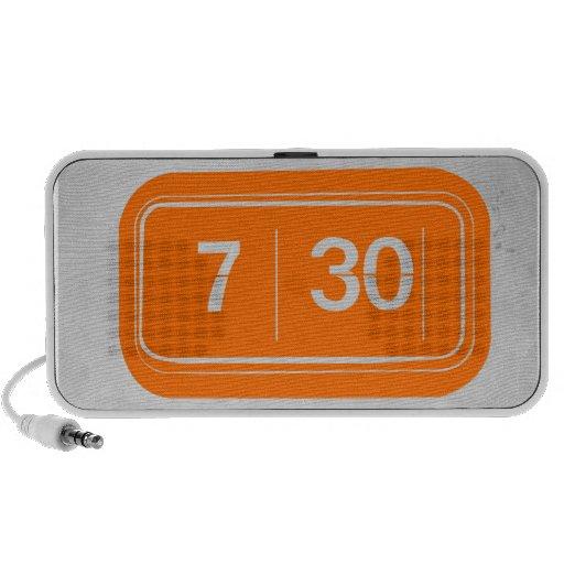 Despertador anaranjado PC altavoces