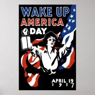 Despierte el día de América -- WWI Póster