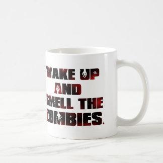 Despierte y huela a los zombis tazas de café