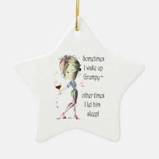Despierto a veces los regalos gruñones, divertidos adorno navideño de cerámica en forma de estrella