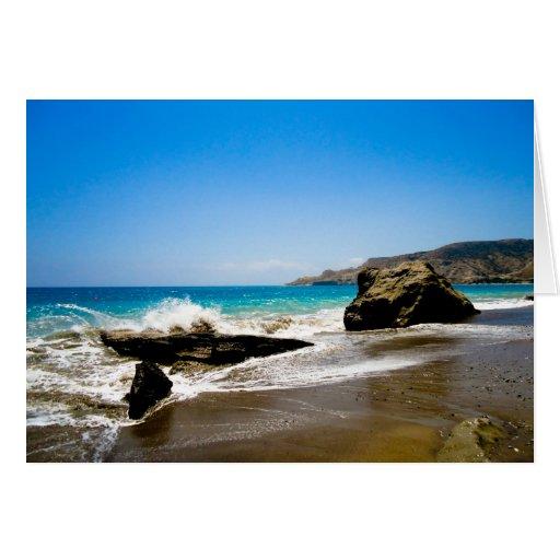 Desplome de las ondas en la playa tarjeta de felicitación