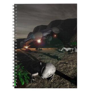 Desplome del UFO de Roswell en la noche Spiral Notebook