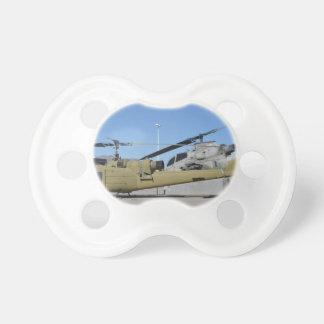 Destino de los aviones de los helicópteros de Huey Chupete De Bebe